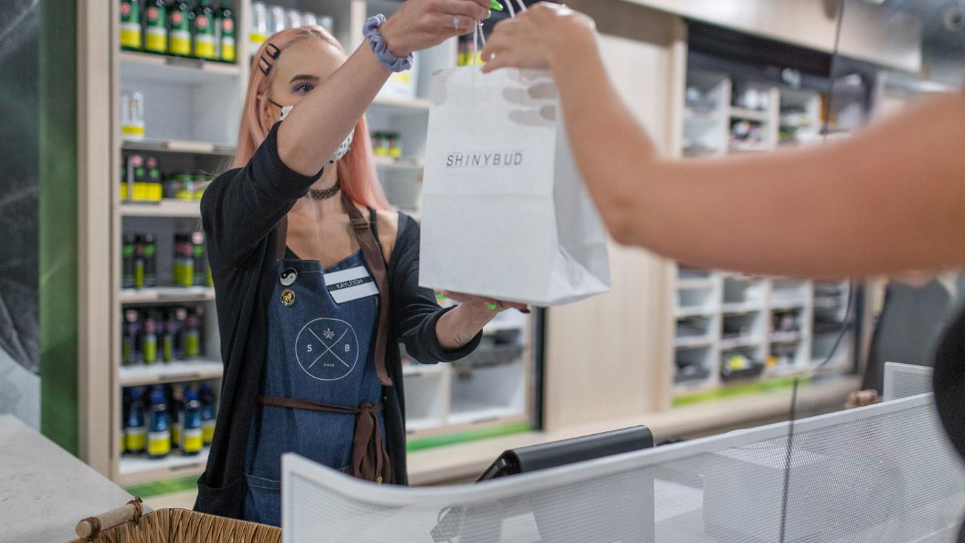 shinybud-cannabis-gift-store